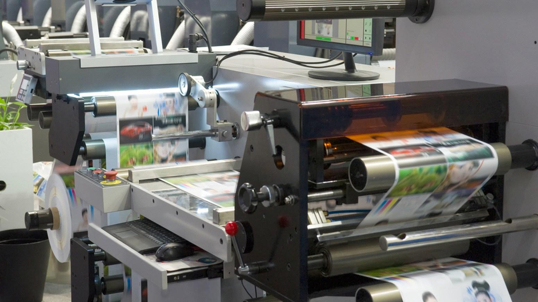 "<img src""= working on printers-1.jpg"" alt=""printing sector""/>"